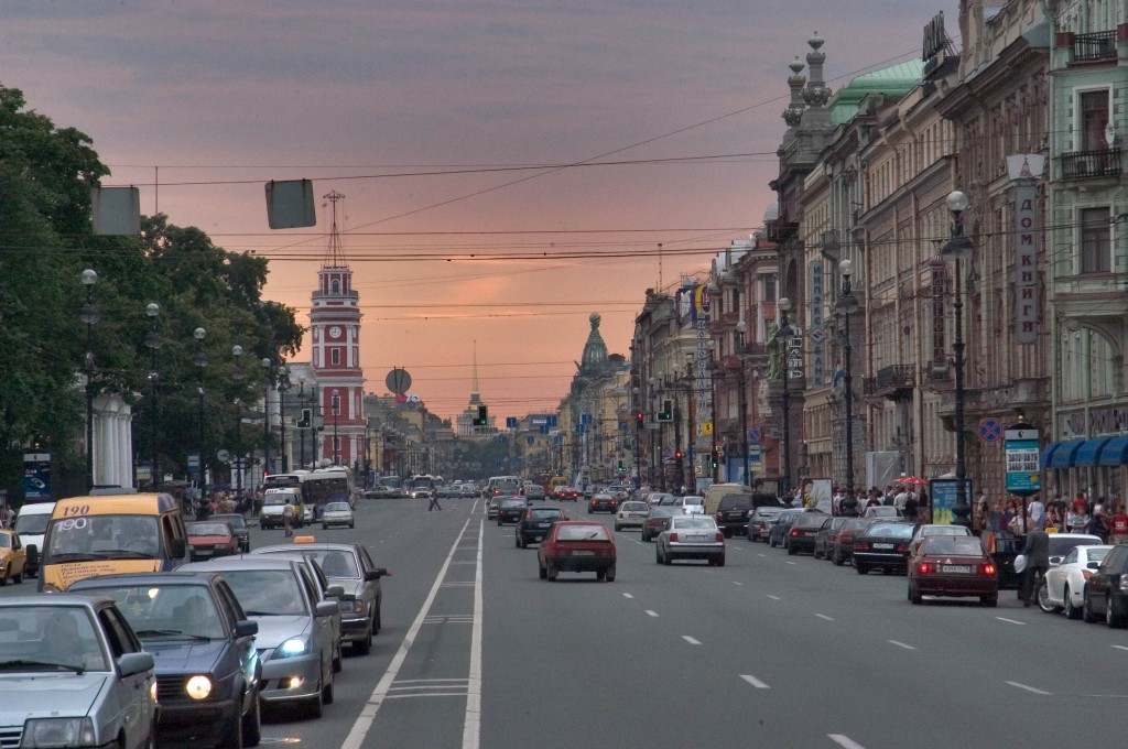 saint_petersburg_russia-nevsky_prospect_evening_saint_petersburg